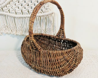 Vintage Flower Basket / Basket with Handle / Baking Basket