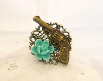 vintage green flower gun ring