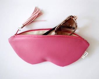 Sunglasses case, vegan leather glasses holder, eco leather pouch, zipper women purse, eyeglasses case, pink bag