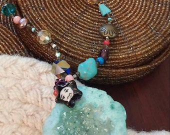 beaded geod necklace