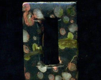 1 Jasper natural stone, 40 x 27 x 6 mm, black and pink