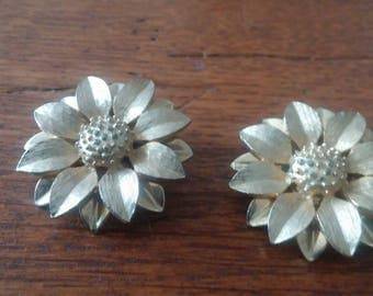 Gold Tone Flower Clip On Sarah Coventry Earrings