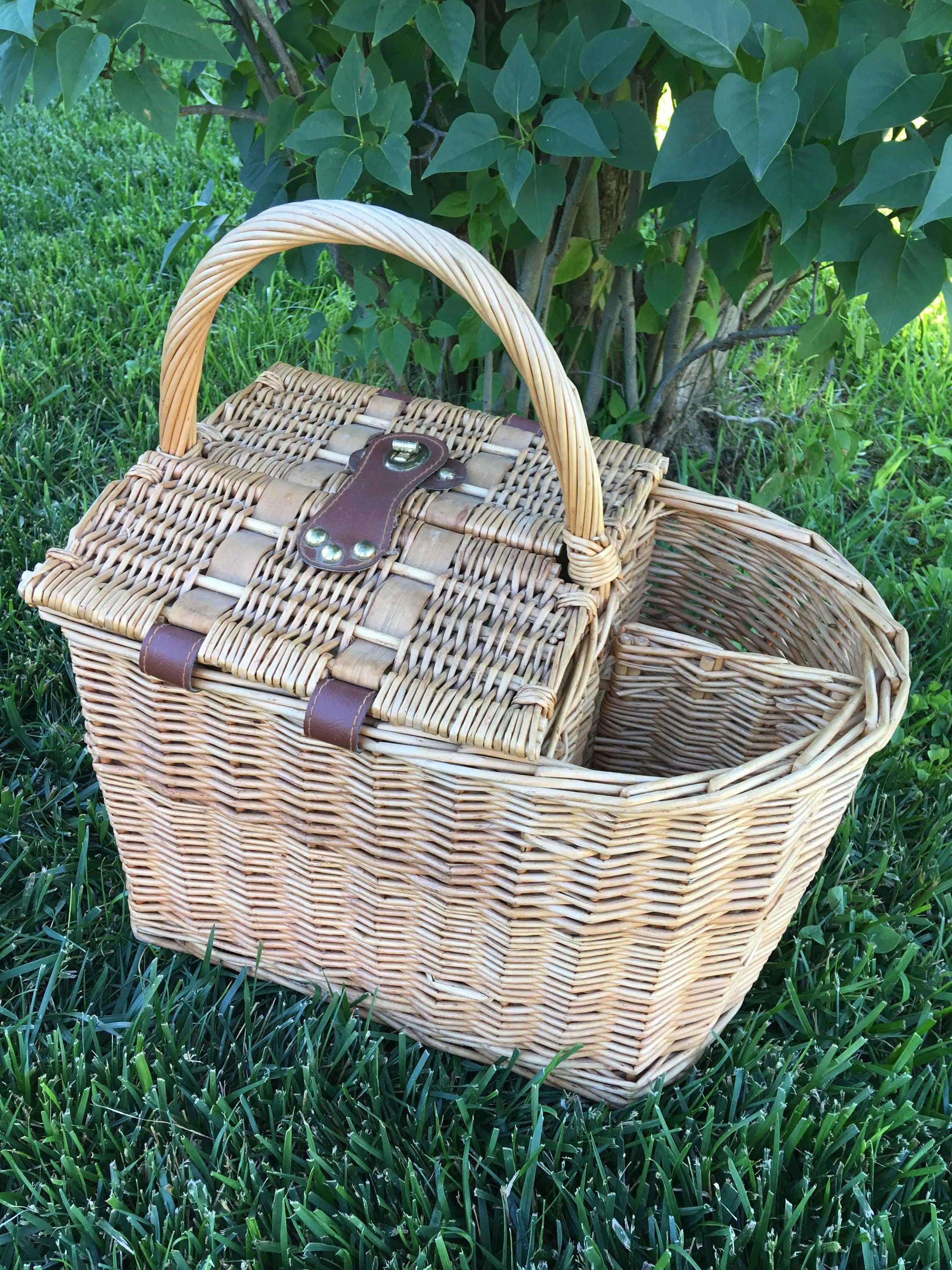 Wicker Basket With Hinged Lid : Vintage wicker picnic basket with hinged double lids s