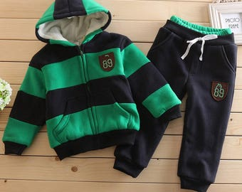 warm costume sweatshirt and trousers for children     Clothing Set