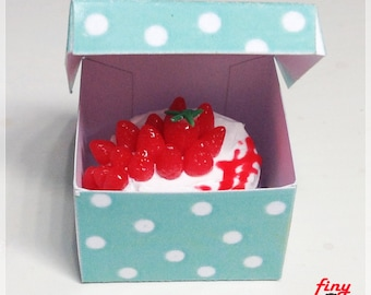 Strawberry cake in box