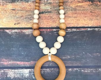 Teething necklace - Nursing necklace - Wood and Silicone necklace - Breastfeeding necklace - Sensory Waldorf toy - Teething Ring
