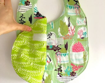 Crossover Reversible Bib - Green Cactus