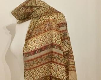 Zijden lange sjaal. Indiase zijde. Paisley bloemen. Aardkleuren. Circa 80 's / 90 's