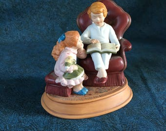 Vintage 1983 Avon Christmas Memories Figurine, Enjoying the Night Before Christmas