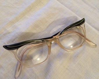 Amazing vintage 1960s cat eye black rimmed glasses