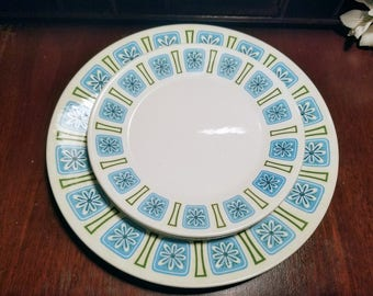 Style House Nordic Ironstone Turquoise and Green Mid-Century Modern 2 Dinner 2 Salad Plates