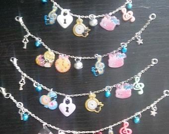 Bracelet kawaii alice in Wonderland themed