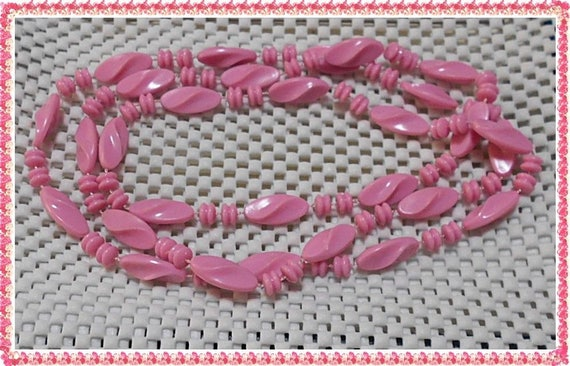 Vintage Flapper Style Pink unusual bead necklace. Long Length