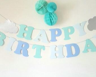 """Guirlande """"HAPPY BIRTHDAY"""" + 2 nuages papier pailleté argenté- sur cordon bleu - pour anniversaire"""