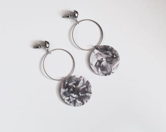 Marble disc circle earrings