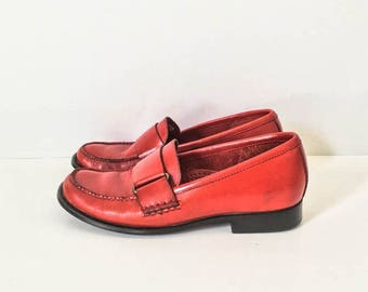 Red leather loafers 5.5 M - Red leather weejuns - GH Bass weejuns - Red leather shoes - Penny loafers - Bass shoes 5.5M