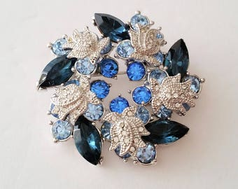 Vintage Silver Tone Faux Sapphire Art Deco Retro Wreath Brooch
