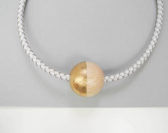 Half golden and leather choker // Maxi wooden bead choker // White ecological leather choker // wood bead // Gold choker