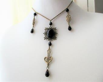 Edwardian Filigree Necklace Choker Necklace Lavaliere Lariat Y Necklace Pendant Black Glass Antique Gold Brass Tone Chain