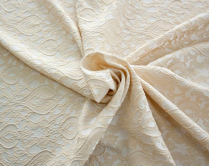 990071-007 Brocade-95% PL, 5% PA, width 130 cm, made in Italy, dry cleaning, weight 205 gr