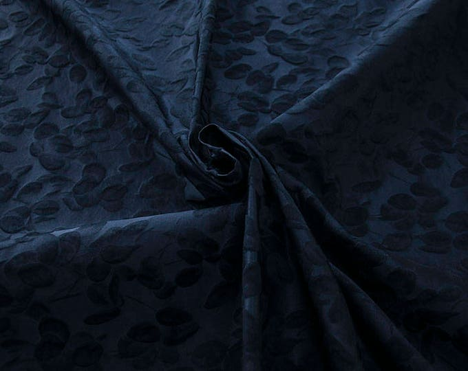 990101-048 JACQUARD-Co 63%, Se 31%, Pc 6%, width 140 cm, made in Italy, dry cleaning, weight 238 gr