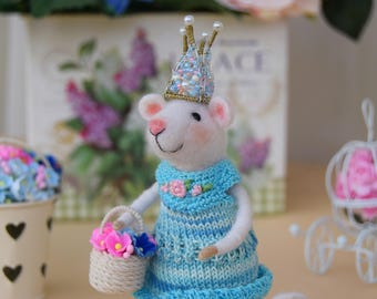 Needle felted toy - Mouse - Princess Barberry - wool toy
