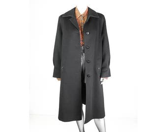 Long vintage coat made of pure virgin wool