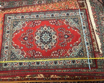 Amazing flowered rug 100% wool floral pattern rug red and blue color warm vintage old rug middle length retro suitable for home&restaurant.
