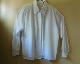 Elegant White Long Sleeve Blouse by Yves St. Clair Size 16
