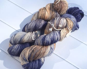 Chaussette II | Indigo Sablé | Hand dyed variegated speckled yarn | fingering weight yarn