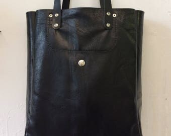 Tote bag, bottle of wine in leather