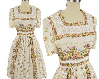 "40s Floral Print Dress-1940s Day Dress-Summer Garden Party-Cotton Batiste-Lace Trim-Short Sleeve-Midi Skirt-Small-S-26"" Waist"