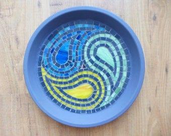 Mosaic birdbath Ying Yang Yong