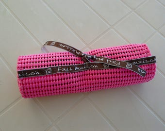 Pouch sting NIC-covered desk perpetual pink recycled rubber.