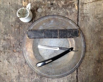Old Nessel Solingen razor - cut cabbage Nessel Solingen - razor and case