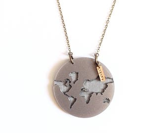 "Engraved perspex ""Taizö"" Earth necklace"