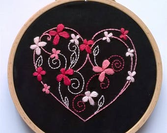 """Embroidery KIT - Embroidery pattern - embroidery hoop art - """"Heart and Flowers"""" - Traditional embroidery kit"""