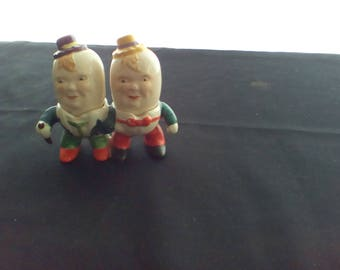 Salt and pepper shakers Japan