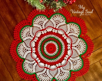 Red Round Holiday Doily - Farmhouse Decor - Pineapple Crochet Doily - Country Home Decor - Crochet Lace Doily - Wedding Gift