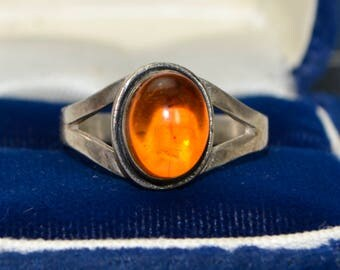 Vintage Sterling Silver & Genuine Baltic AMBER Solitaire Statement RING - Sz O (Us 7.25)