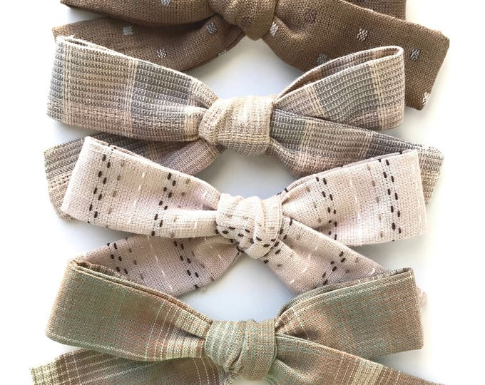 Sewn Retro bow || Textured