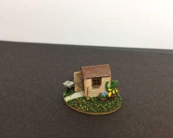 Miniature micro 1:144th 1/144 scale N gauge garden shed scene with accessories