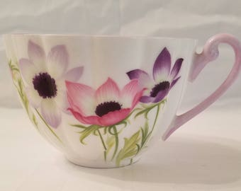 Shelley bone china teacup, Wind Flower pattern