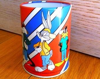 Vintage Looney Tunes pencil holder cup Warner Bros 1998 tin pen holder collectible hollywood memorabilia