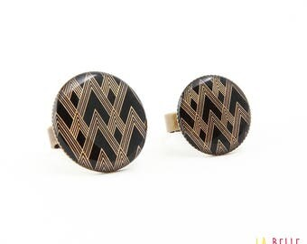 Black graphic pattern resin ring