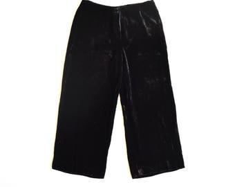 velvet culottes / size medium-large / black wide leg pants / wide legs / high waist /