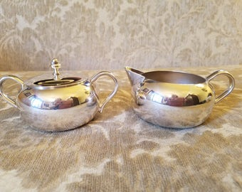 Vintage Silver plate Creamer and Sugar set - Sheffield Silver Co.