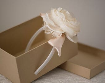 Bridal headband | Hair flower | Ivory bridal headband | Bridal fascinator | Fabric flower headband | White fascinator