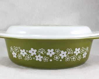 Vintage Pyrex 2 1/2 QT Casserole Dish and Lid,  Spring Blossom, Pyrex 045, White and Green,  Vintage from 1970s