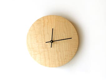 Small Clock - Curly Maple